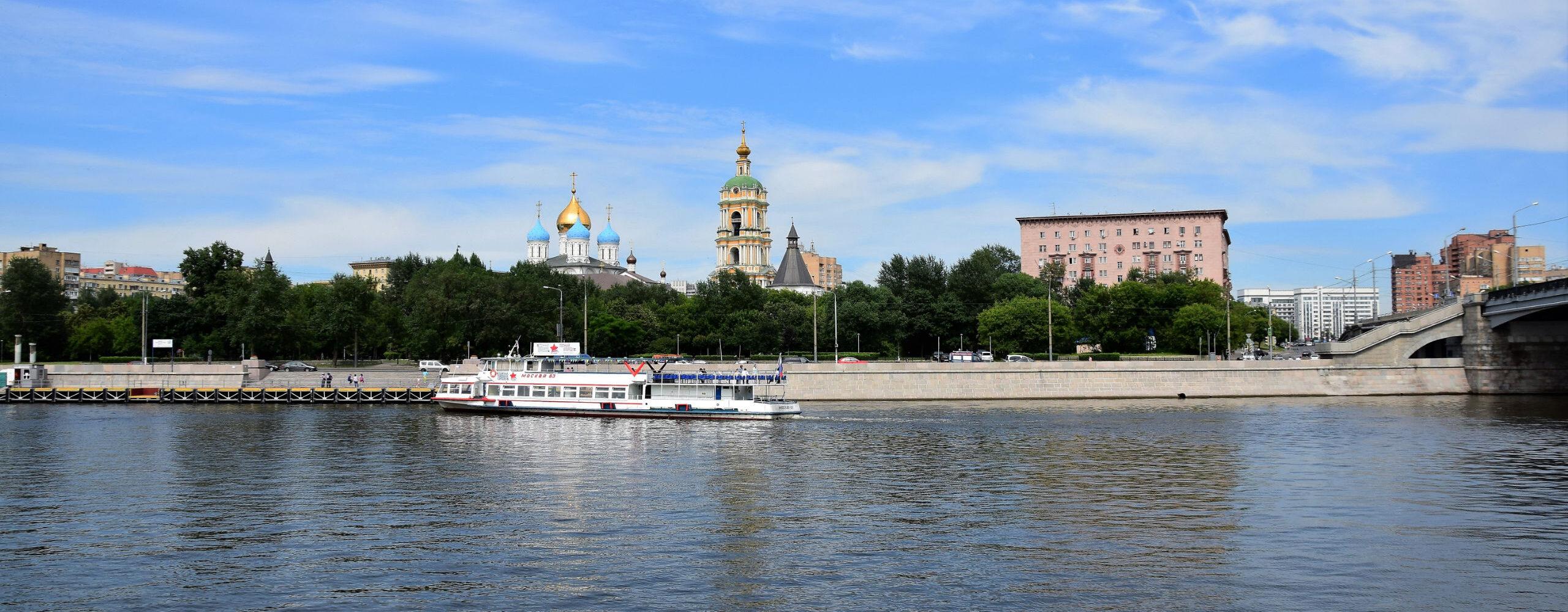 Вокруг Новоспасского монастыря.