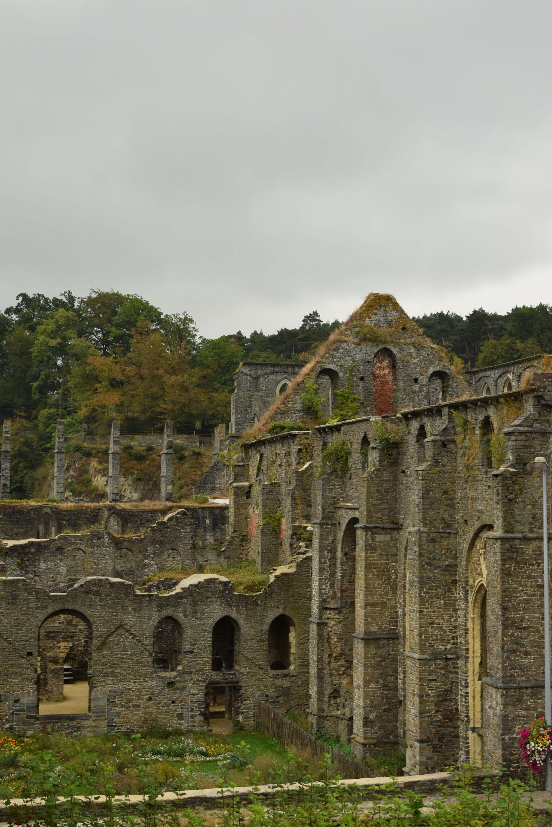 Руины Аббатства Виллерс-Ла-Вилль.