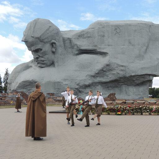 Из солнечной Сибири в дождливую Беларусь. Часть 6: Брестская крепость