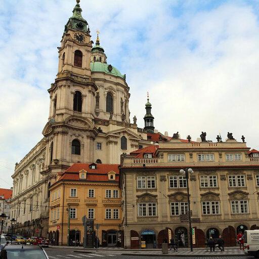 Святониколаевская городская колокольня в Праге