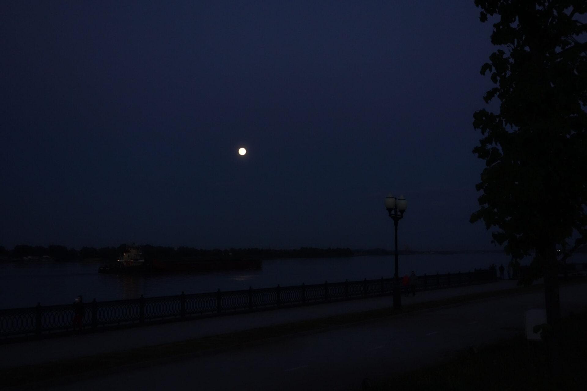 Ярославль, полнолуние, Волга, исторический центр